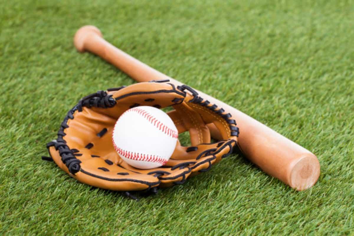 dụng cụ thi đấu trò chơi bóng chày