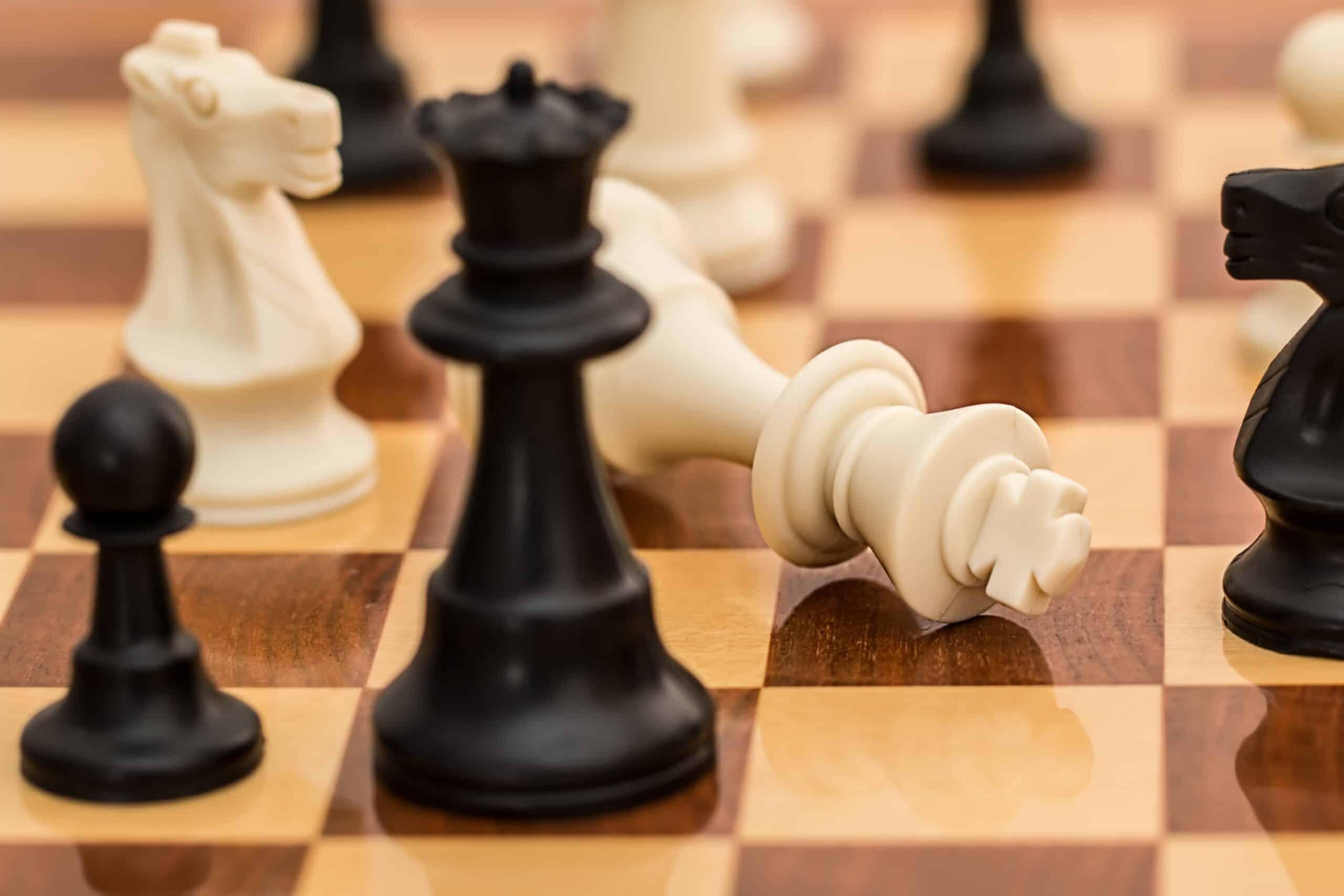 cách chơi cờ vua online