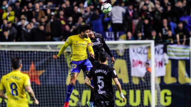 Soi kèo Huesca vs Cadiz, 21h00 ngày 20/9, La Liga