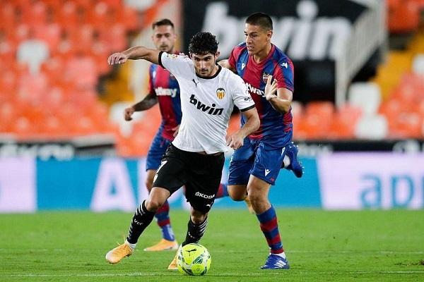 Soi kèo Celta Vigo vs Valencia, 02h00 ngày 20/09, La Liga