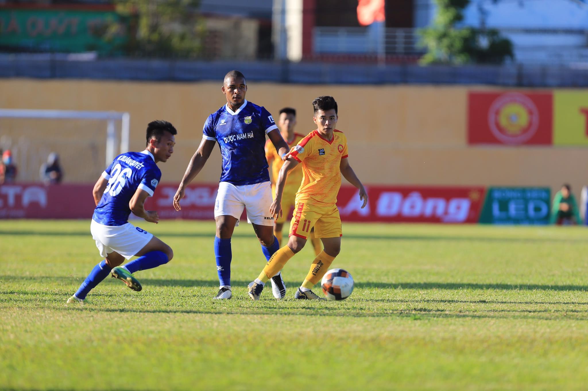 Soi kèo Thanh Hóa vs Nam Định, 17h00 ngày 10/10, V League 2020