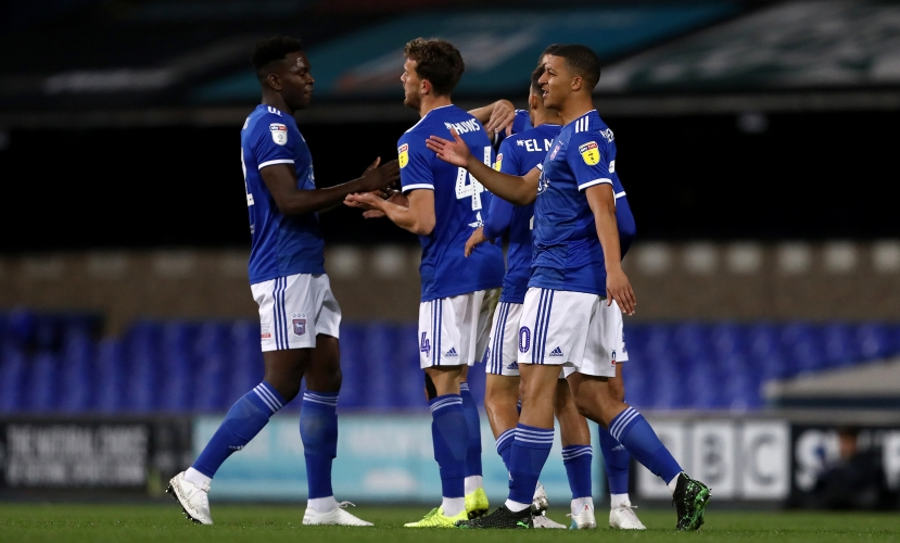 Soi kèo Ipswich vs Gillingham, 01h00 ngày 7/10, Football League Trophy