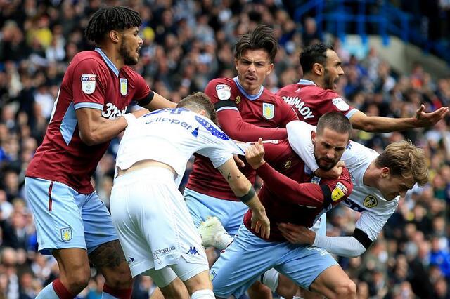 Soi kèo Aston Villa vs Leeds, 02h00 ngày 24/10, Ngoại hạng Anh