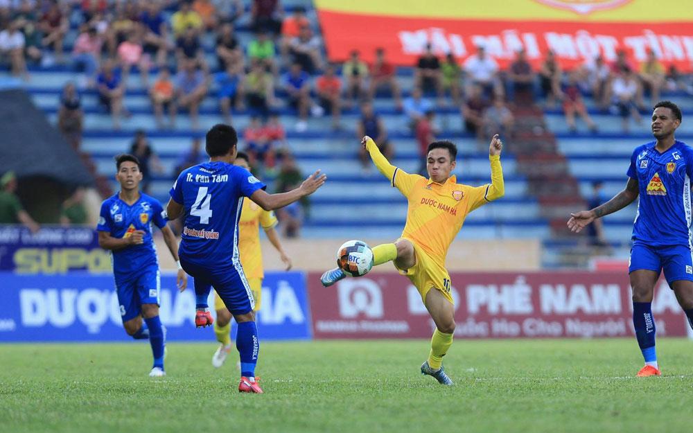 Soi kèo Quảng Nam vs Nam Định, 17h00 ngày 20/10, V League 2020