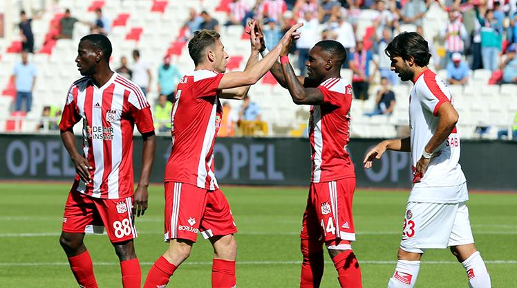 Soi kèo Hatayspor vs Sivasspor, 00h00 ngày 3/11, VĐQG Thổ Nhỹ Kỳ