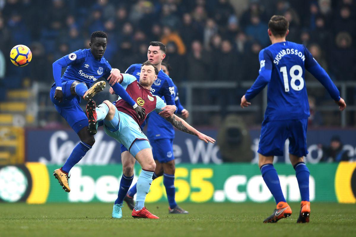 Soi kèo Burnley vs Everton, 19h30 ngày 5/12, Ngoại hạng Anh