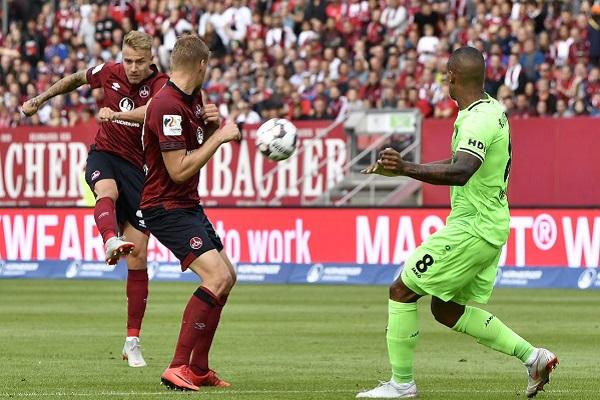 Soi kèo Regensburg vs Hannover, 00h30 ngày 19/12, hạng 2 Đức